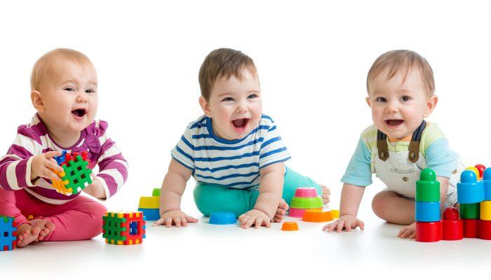 Le 30 idee di giochi per il bambino di un anno per tutte le tasche