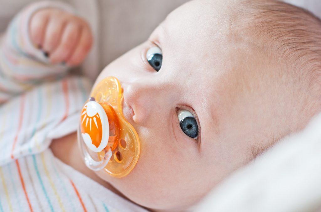 ciuccio neonato