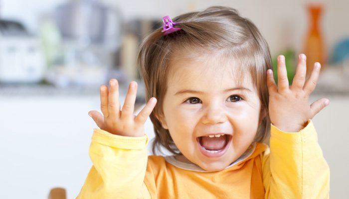 Quando iniziano a parlare i bambini: un calendario indicativo